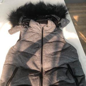 GAP Winter Down Alternative Vest